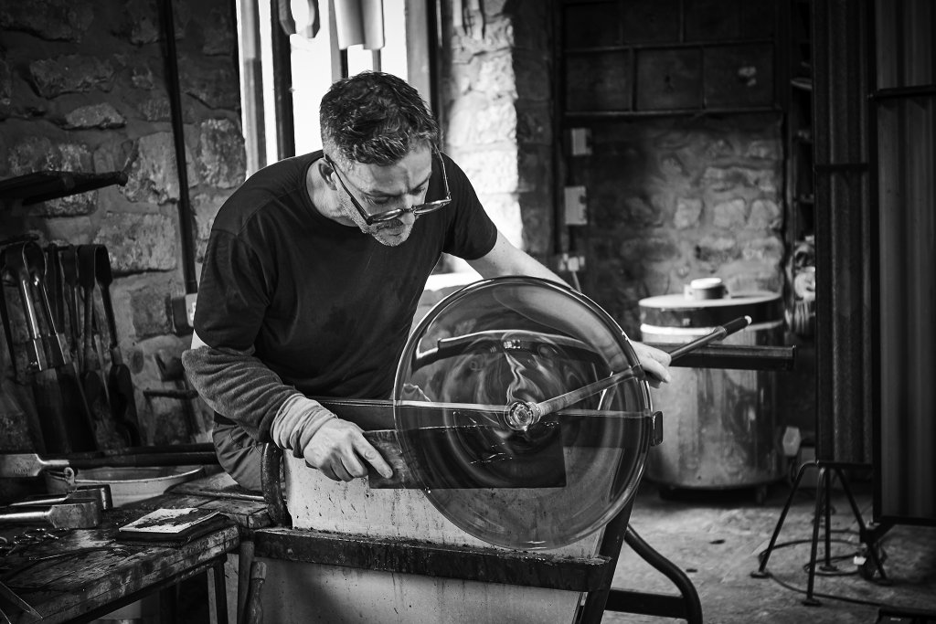 Spinning out a rondel